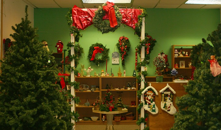 Enter the Holiday Shoppe