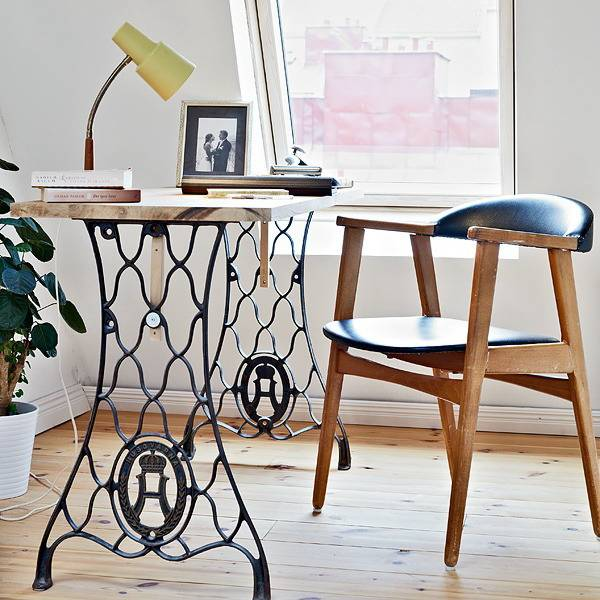 diy-small-home-office-desks-recycling-sewing-machines-2